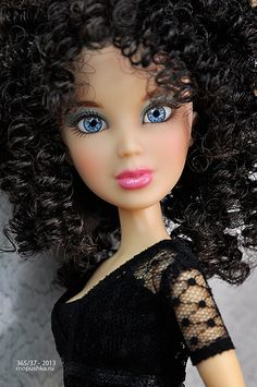 Liv doll | Flickr - Photo Sharing! - If the wig were blonde, she could make a great River Song.