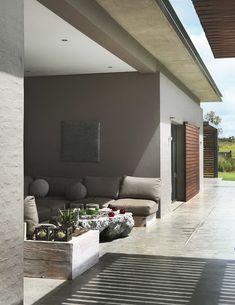 *outdoors, porches, landscape architecture* - saló exterior