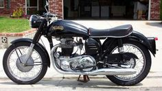 The beautifully styled 1956 Norton Dominator 99 Classic Bikes, Classic Cars, Norton Dominator, Norton Motorcycle, Norton Commando, Cafe Bike, Custom Choppers, Vintage Bikes, Motocross