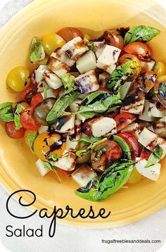MMmm caprese salad is so delish, try to super easy version that is great for a party.