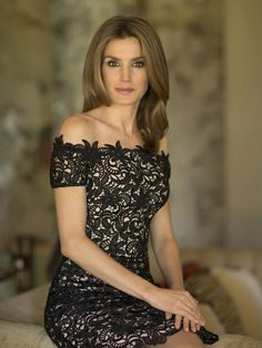 Best Quotes By Princess Charlene of Monaco; Kate Middleton, Duchess of Cambridge; Queen Rania of Jordan And Queen Letizia of Spain Queen Rania, Queen Letizia, Glamour, Looks Party, Lace Dress, Strapless Dress, Dress Shoes, Style Royal, Spanish Royalty