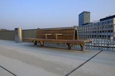 FSC hout: stoer, sterk, duurzaam, comfortabel. Mooie combinatie! Outdoor Furniture, Outdoor Decor, Netherlands, Public, Space, Projects, Beautiful, Design, Dutch Netherlands