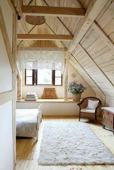 Romantic Wooden Cottage - bedroom - photos : adorable-home Attic Renovation, Attic Remodel, Attic Spaces, Attic Rooms, Attic Bathroom, Attic Playroom, Wooden Cottage, Rustic Cottage, Shabby Cottage