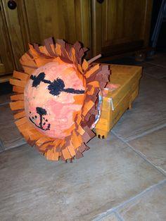 Surprise leeuw van Luna