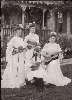 shewhoworshipscarlin:  All-girl band, 1903.