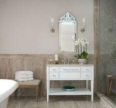 120 Awesome Half Bathroom Decor Ideas For Your Home Half Bathroom Decor, Bathroom Styling, Master Bathroom, Bathroom Ideas, Favorite Paint Colors, Paint Colors For Home, Ferguson Bathroom, Benjamin Moore Bathroom, Traditional Bathtubs