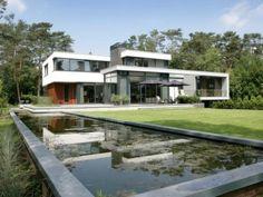Modern Villa by MAAS Architects
