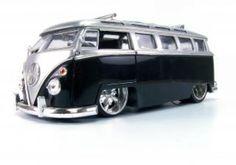 Toy van, glossy Free Photo