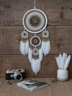 42 Super Ideas for crochet doilies dreamcatcher diy dream catcher Doily Dream Catchers, Dream Catcher Craft, Dream Catcher Boho, Dreams Catcher, Diy Tumblr, Dreamcatcher Crochet, Dreamcatchers Diy, Diy And Crafts, Arts And Crafts