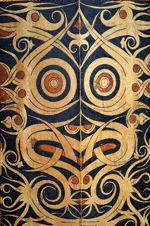 Kayan or Kenyah,shield Borneo, Century, Wood with pigment Batik Pattern, Abstract Pattern, Borneo, Indonesian Art, Indonesian House, Native Tattoos, Southeast Asian Arts, Book Of Kells, Masks Art