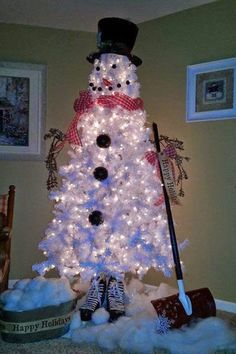Christmas tree idea. Cute