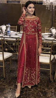 Related posts:Simple office look that I likeDress with red shoesLeather pants, beige overcoat Shadi Dresses, Pakistani Formal Dresses, Indian Gowns Dresses, Pakistani Dress Design, Pakistani Gowns, Party Wear Indian Dresses, Eid Dresses, Dress Party, Indian Bridal Outfits