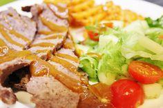 Kotitekoinen kebab valmistuu helposti ja maku hurmaa taatusti.