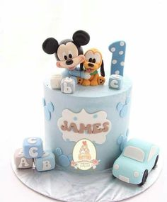 Baby Mickey Mouse Cake, Mickey Mouse Birthday Theme, Baby Boy Birthday Cake, Theme Mickey, Cake Table Birthday, Mickey Cakes, Cute Birthday Cakes, Baby Boy Cakes, Birthday Cake Decorating