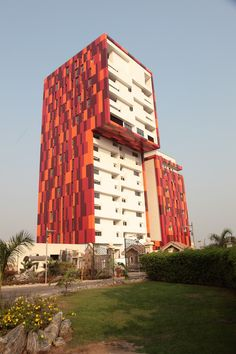Villaggio Vista is an apartment complex in Accra, Ghana.  Its exterior design was inspired by Kente textiles.