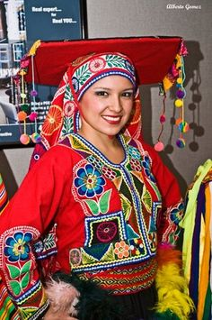 TRAJES TIPICOS DEL PERU Traditional Peruvian Dresses: Huayno del Cuzco (Valicha )