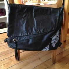Cokluch leather messenger bag