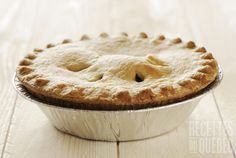 Recette de Tourtière de Grand-Maman Pie Recipes, Dinner Recipes, Fish Pie, Pressure Cooking, Christmas Treats, Apple Pie, Food And Drink, Meals, Dishes