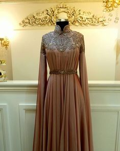 "1,350 Beğenme, 32 Yorum - Instagram'da Tuay Karaca (@tuaykaraca): ""Zarafetin adresi tuay karaca. #tuaykaraca #abiye #tesettür #hautecouture #couture #fashion #hijab"""