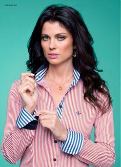 Dudalina Feminina Satin Blouses, Shirt Blouses, Corsage, Fashion Wear, Fashion Outfits, High Collar Shirts, Versace Perfume, Iranian Women Fashion, Corporate Attire