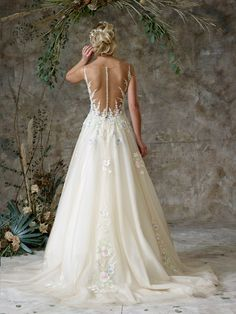 Beautifully decorated ball gown with illusion dropped waist and sparkle tulle Tulle Balls, Tulle Ball Gown, Ball Gowns, Bridal Gowns, Wedding Gowns, Charlotte Balbier, Bridal Separates, Ethereal Beauty, Lace Bodice