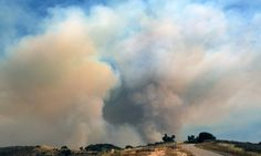 Firefighters battle California brushfire as heatwave looms -   Firefighters battle California brushfire as heatwave looms   By  Associated Press      Published:  06:18 GMT, 18 June 2016  |   Updated:  06:19 GMT,...