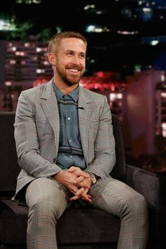 "Style File: ""First Man"" Star Ryan Gosling Freshens Up | Tom + Lorenzo"