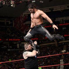 Seth Rollins vs. Kevin Owens – Lucha Sin Descalificación por el Campeonato Universal WWE: fotos