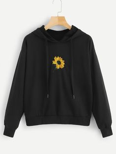 Shop Plus Floral Embroidery Hooded Sweatshirt online. SHEIN offers Plus Floral Embroidery Hooded Sweatshirt & more to fit your fashionable needs. Trendy Hoodies, Cute Sweatshirts, Hooded Sweatshirts, Outfits With Sweatshirts, Hoodies For Girls, Pullover Rock, Sweat Noir, Vetement Fashion, Sweatshirt Outfit