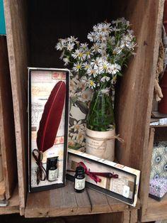 Italian quill & glass dip penn display at 2014 wedding expo