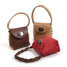 1 million+ Stunning Free Images to Use Anywhere Purse Cupcakes, Handmade Keychains, Barbie Doll Accessories, Leather Fanny Pack, Mini Handbags, Leather Projects, Small Leather Goods, Leather Cuffs, Leather Accessories