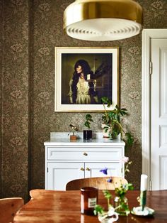 Lovely wallpaper from William Morris in our blogger Krickelins beautiful home.