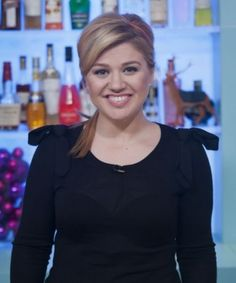 Kelly Clarkson covering Sam Smith will hit you right in your most nostalgic feelings