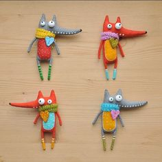 Marlitoys Foxes Fabric Toys, Felt Fabric, Fabric Crafts, Fox Crafts, Diy And Crafts, Arts And Crafts, Tiny Dolls, Cute Dolls, Brooches Handmade