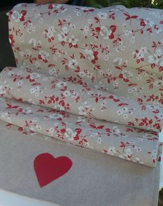 Red&white cotton table runner.