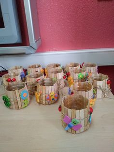 Diy Crafts For Adults, Easy Diy Crafts, Home Crafts, Fun Crafts, Arts And Crafts, Popsicle Stick Crafts, Craft Stick Crafts, School Centerpieces, Fundraising Crafts