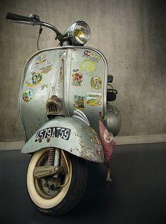 rusty Vespa typisch gevalletje http://www.ikwilvanmijnscooteraf.nl #scooter #vespa #vintage