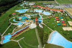 Az AquaCity Zalaegerszeg több mint 6000 m² vízfelülettel és kilenc óriáscsúszdával várja a vízi élmények szerelmeseit. Heart Of Europe, Homeland, Budapest, Playground, Thermal Baths, Fair Grounds, Tower, Spas, Nature
