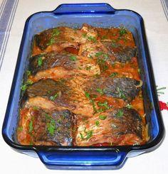 Plachie de crap – o rețetă ce merită încercată Fish Recipes, My Recipes, Cooking Recipes, Healthy Recipes, Hungarian Recipes, Turkish Recipes, How To Cook Fish, Romanian Food, Fish And Seafood