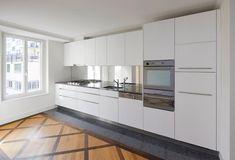 Top renovierte 3.5-Zimmer Altbauwohnung an zentraler Lage in Luzern zu vermieten.