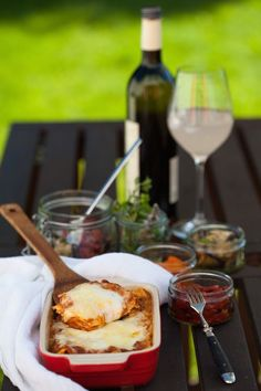 Leckere Lasagne, Lasagne Bolognese Rezept, Was gehört in Lasagne, bestes Lasagne Rezept, Lasagne Blätter vorkochen, Lasagneblätter auf die Form anpassen