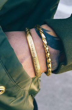 original-mens-gold-bracelet-designs mens jewelry 40 Original Men's Gold Bracelet Designs Mens Gold Bracelets, Mens Gold Jewelry, Gold Bangles, Fashion Bracelets, Cuff Bracelets, Fashion Jewelry, Male Jewelry, Diamond Bracelets, Mens Gold Necklace