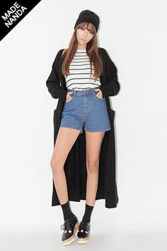 Today's Hot Pick :Basic Roll-Up High-Waist Shorts http://fashionstylep.com/SFSELFAA0034144/stylenandaen/out These classic denim shorts will be the bold and lively addition to your wardrobe that will surely hype up your style from dull to fun.These shorts are high-rise with basic five pockets,front zipper and button, wide-leg style, and folded hem style. It is very comfortable and casual, and is perfectly paired with shirts.