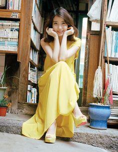 IU releases her remake album 'A Flower Bookmark' Hyosung Secret, Selfies, Pop Songs, Korean Music, Her Music, Debut Album, My Flower, Flowers, Girls Generation
