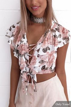 clothes for women,casual outfits,base layer clothing,casual outfits Crop Top Styles, Blouse Styles, Summer Outfits, Casual Outfits, Cute Outfits, Fashion Outfits, Cropped Tops, Fashion Moda, Womens Fashion