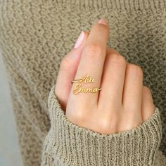 Customize thisadjustable ring with a pair of special names! The open style makes for a stunning standalone piece while leaving a little wiggle room if your finger is in between sizes. That's right—this ring is adjustable! Be sure to check out our Ring Size Chart guide to get an idea of which size would be better for y Moms Best Friend, Best Friend Gifts, Gifts For Friends, Best Gifts, Personalized Gifts For Mom, Personalized Jewelry, Small Rings, Unique Rings, Stackable Name Rings
