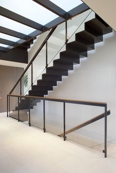 Russian Hill - modern - staircase - san francisco - by John Maniscalco Architecture