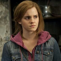 Hermione - Harry Potter and the Deathly Hollows Part 2 Saga Harry Potter, Mundo Harry Potter, Harry Potter Hermione, Harry Potter Characters, Harry Potter World, Harry Potter Universal, Ron Weasley, Draco, Hermione Granger Outfits