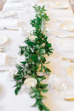 Greenery Garland Centerpiece | photography by http://www.weddingnature.com/