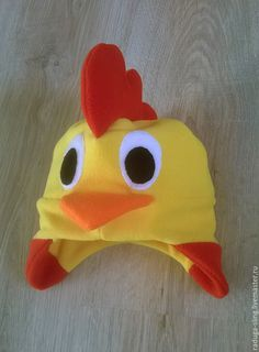 Free pattern and step by step Photo tutorial Bildanleitung und gratis Schnittvorlage Chicken Costumes, Sewing Crafts, Sewing Projects, Baby Hut, Fleece Hats, Girl Costumes, Keep Warm, Sewing Clothes, Baby Wearing
